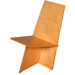 de stoel gemonteerd.