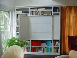 deuren open, drie Whiteboard panelen